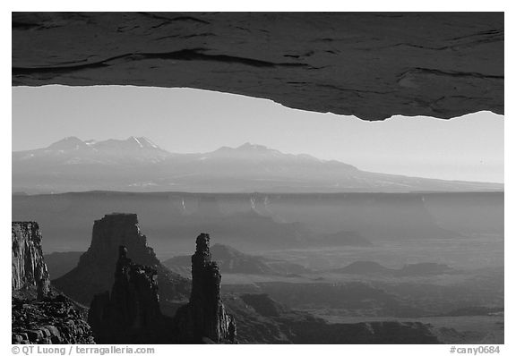 Mesa Arch, pinnacles, La Sal Mountains, early morning, Island in the sky. Canyonlands National Park (black and white)