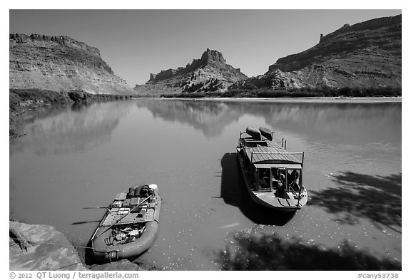 Jetboat and raft on Colorado River. Canyonlands National Park (black and white)