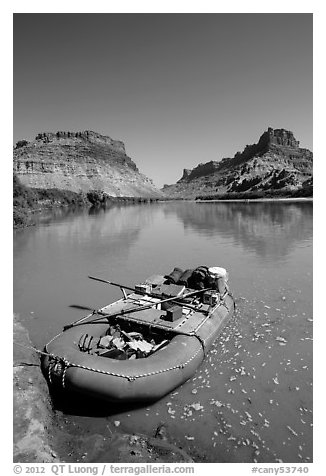 Raft at Spanish Bottom. Canyonlands National Park (black and white)