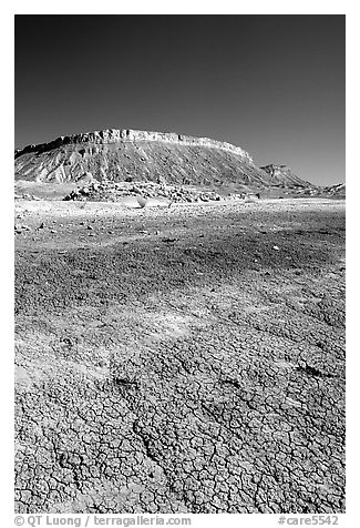 Bentonite Badlands and cliffs, Nottom Bullfrog Road. Capitol Reef National Park (black and white)