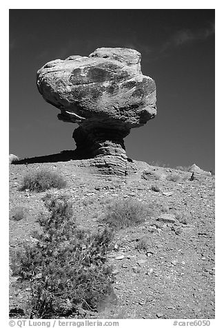 Balanced Rock in  Hartnet Draw. Capitol Reef National Park (black and white)