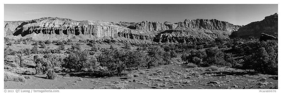 Mummy cliffs. Capitol Reef National Park (black and white)