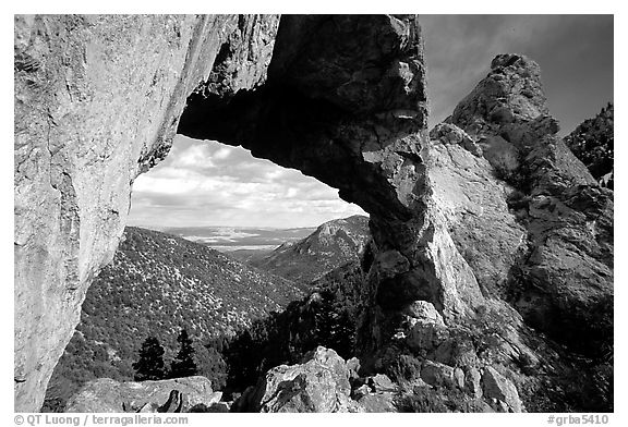Lexington Arch, afternoon. Great Basin National Park (black and white)