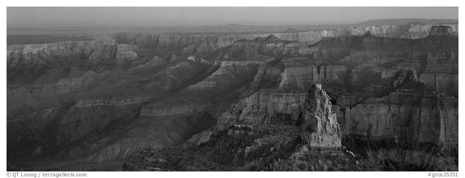 Scenery seen from Point Imperial. Grand Canyon National Park (black and white)