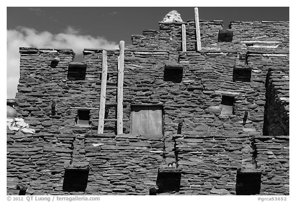 Facade of Hopi House. Grand Canyon National Park (black and white)