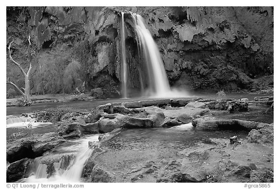 Travertine formations and Havasu falls. Grand Canyon National Park (black and white)