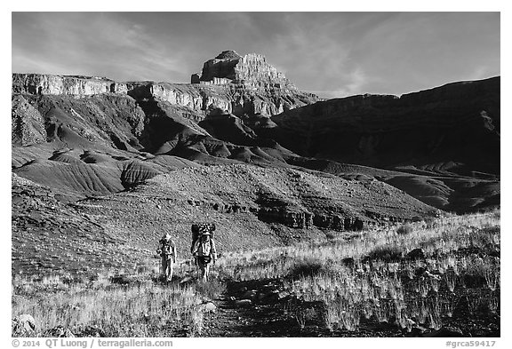Backpackers, Escalante Route trail. Grand Canyon National Park (black and white)
