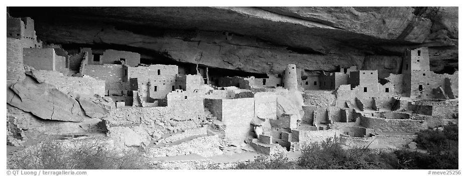 Cliff Palace, largest cliff dwelling in North America. Mesa Verde National Park (black and white)