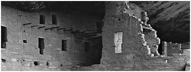 Cliff dwelling ruin. Mesa Verde National Park (Panoramic black and white)