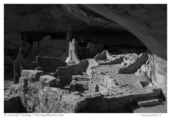 Long House, large Ancestral Puebloan structure. Mesa Verde National Park (black and white)