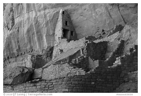 Multi story Ancestral Puebloan structure, Long House. Mesa Verde National Park (black and white)