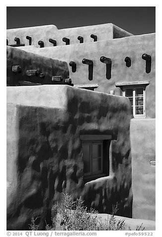 Architectural detail, Painted Desert Inn. Petrified Forest National Park (black and white)