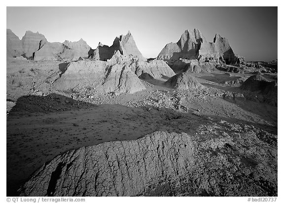 Mudstone formations, Cedar Pass, sunrise. Badlands National Park (black and white)