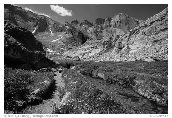 Chasm Lake trail. Rocky Mountain National Park (black and white)