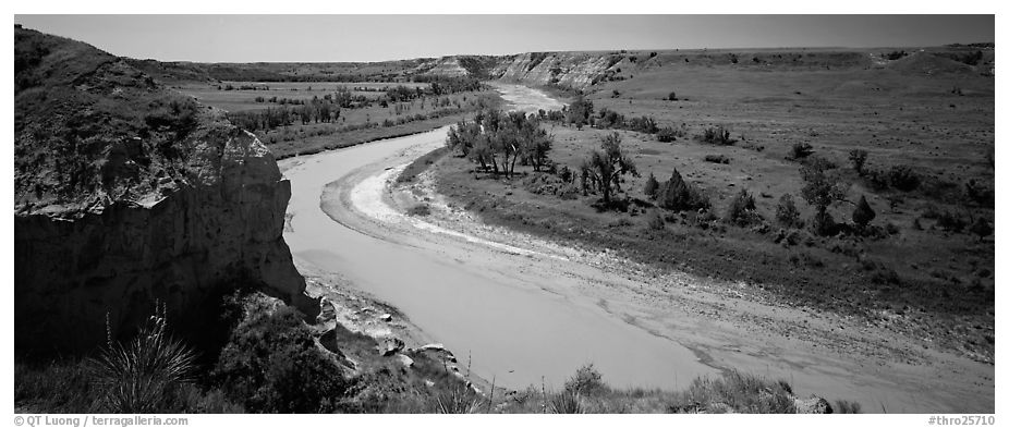 Riverbend and bluff. Theodore Roosevelt National Park (black and white)