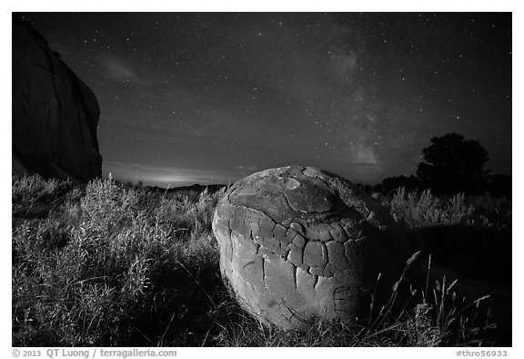 Cannonball, grasses and Milky Way. Theodore Roosevelt National Park (black and white)