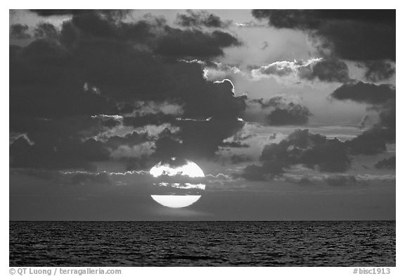 gudu ngiseng blog: black and white ocean photography