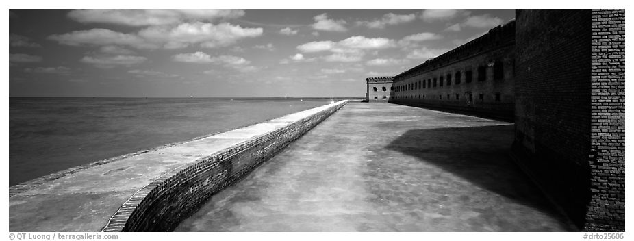 Seawall, moat, and Fort Jefferson. Dry Tortugas National Park (black and white)