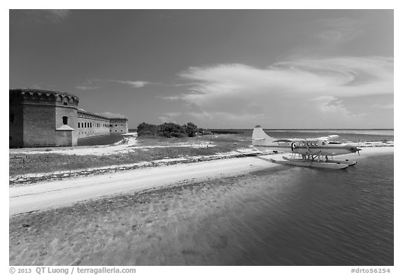 Seaplane and Fort Jefferson. Dry Tortugas National Park (black and white)