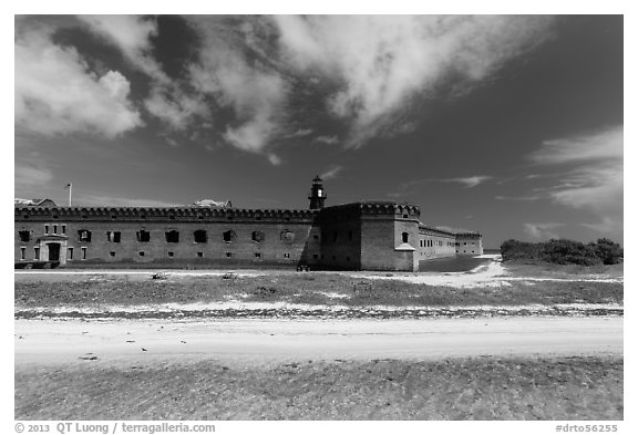 Beach, Garden Key, and Fort Jefferson. Dry Tortugas National Park (black and white)