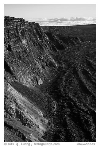 Summit cliffs, Mauna Loa. Hawaii Volcanoes National Park (black and white)