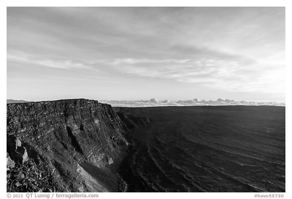 Mauna Loa summit cliffs, Mokuaweoweo crater at sunrise. Hawaii Volcanoes National Park (black and white)