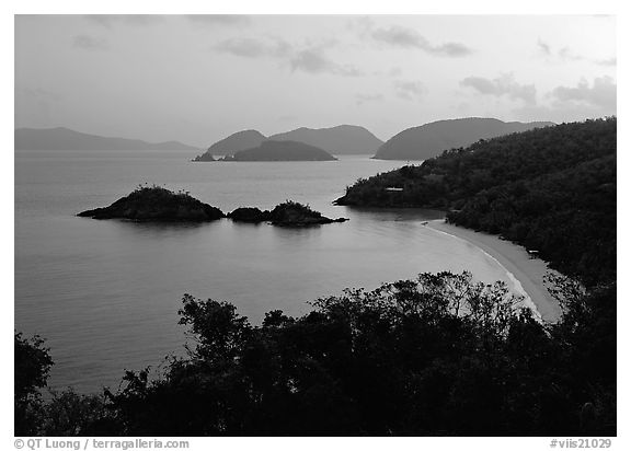 Trunk bay at sunrise. Virgin Islands National Park (black and white)