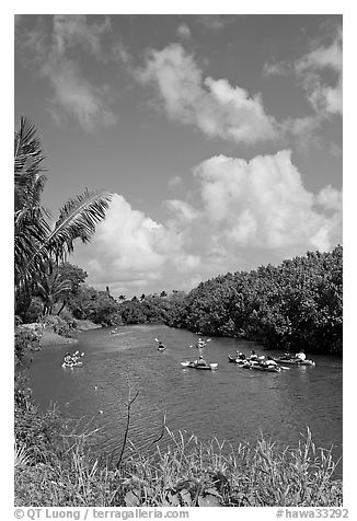 Kayakers, Hanalei River. Kauai island, Hawaii, USA (black and white)