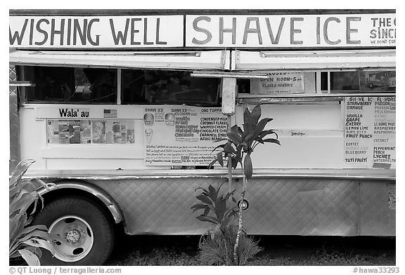 Truck selling shave ice. Kauai island, Hawaii, USA (black and white)