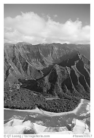Aerial view of the East end of the Na Pali Coast, with Kee Beach. Kauai island, Hawaii, USA (black and white)