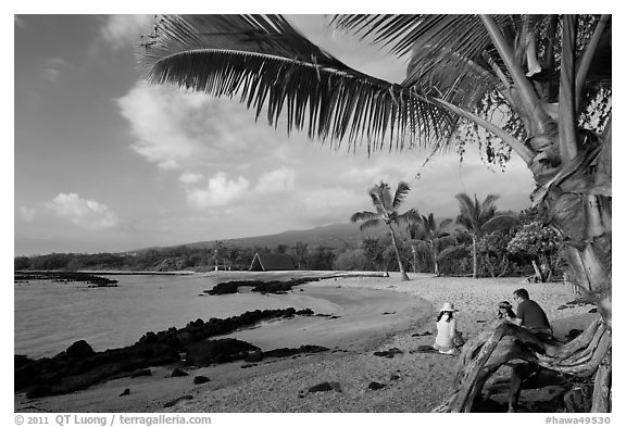 Evening on Honokohau Beach, Kaloko-Honokohau National Historical Park. Hawaii, USA (black and white)