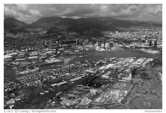 Aerial view of harbor. Honolulu, Oahu island, Hawaii, USA (black and white)