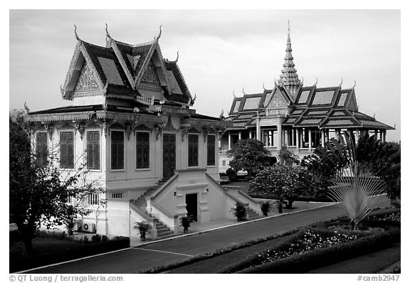 Royal palace. Phnom Penh, Cambodia (black and white)