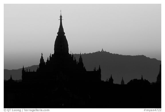 Ananda pahto , sunset. Bagan, Myanmar (black and white)