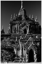 Htilominlo Pahto. Bagan, Myanmar (black and white)