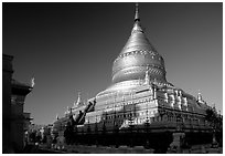 Shwezigon Paya. Bagan, Myanmar (black and white)