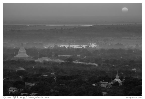 Sunset from Sagaing Hill. Myanmar (black and white)