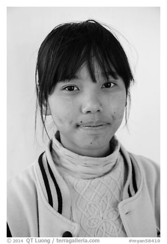 Woman with sweater. Pindaya, Myanmar (black and white)