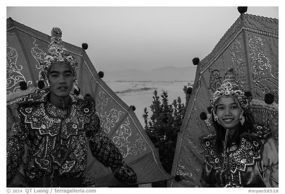 Greeters at dawn. Inle Lake, Myanmar (black and white)