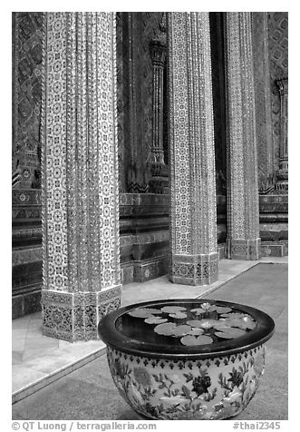 Lotus flowers and ornemented colunm, Wat Phra Kaew. Bangkok, Thailand (black and white)