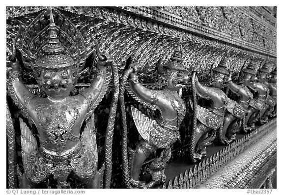 Classical thai figures in Wat Phra Kaew. Bangkok, Thailand (black and white)