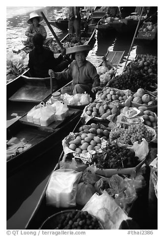 Fruit for sale, floating market. Damnoen Saduak, Thailand (black and white)