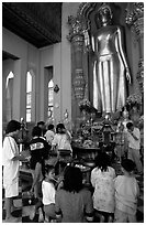 Worshipers at Phra Pathom Chedi. Nakkhon Pathom, Thailand (black and white)
