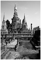 Central portion of Wat Mahathat complex. Sukothai, Thailand ( black and white)