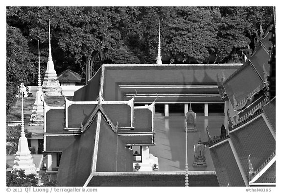 Temple at the base of Golden Mount. Bangkok, Thailand (black and white)