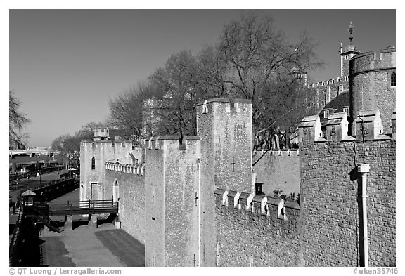 Rampart with crenallation,  Tower of London. London, England, United Kingdom (black and white)