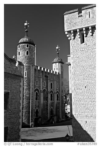 Salt Tower, central courtyard, and White Tower, the Tower of London. London, England, United Kingdom (black and white)