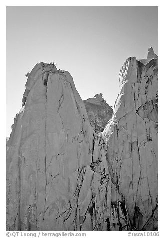 Granite spires, the Needles,  Giant Sequoia National Monument. California, USA