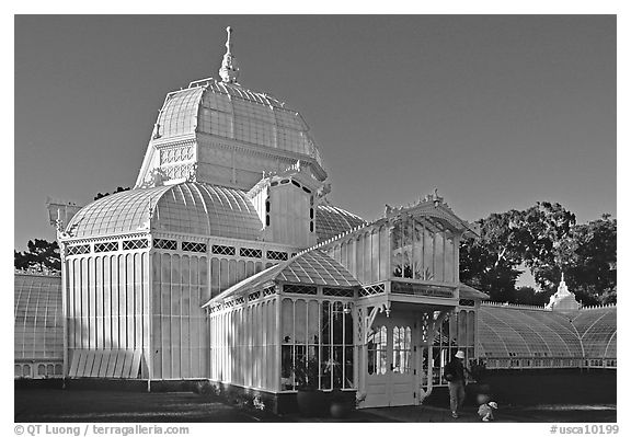 Conservatory of the Flowers, late afternoon. San Francisco, California, USA (black and white)