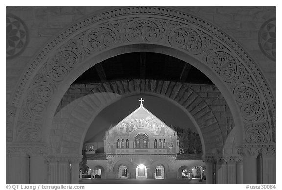 Quad and Memorial church at night. Stanford University, California, USA (black and white)